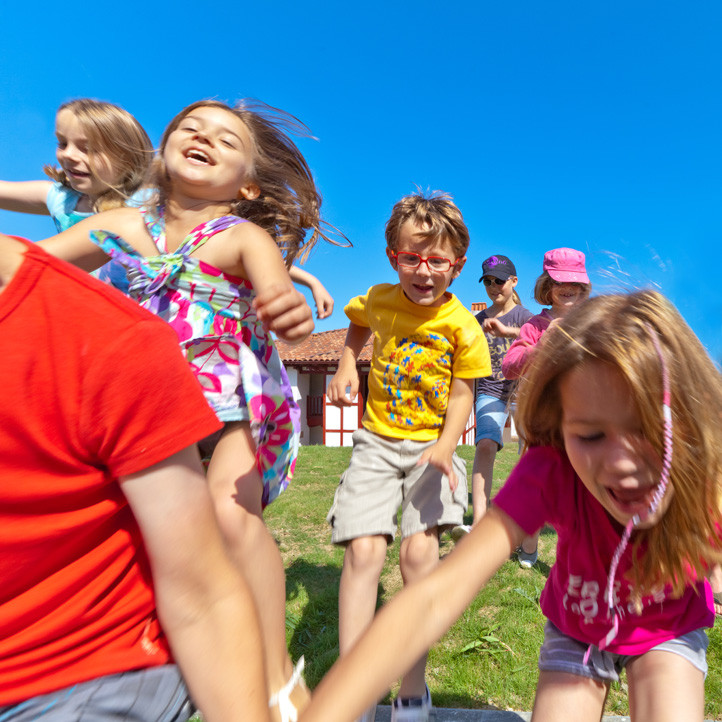 village vacances famille hendaye club enfants petits